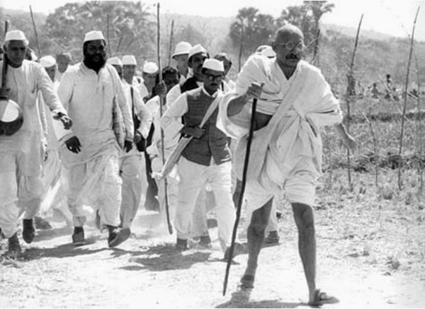 ghandi-on-salt-march