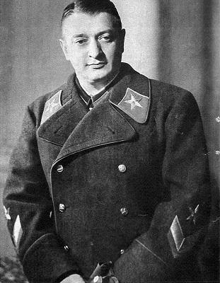 Stalin: Ketika Seorang Paranoid Memimpin Negara Terbesar di Dunia 108