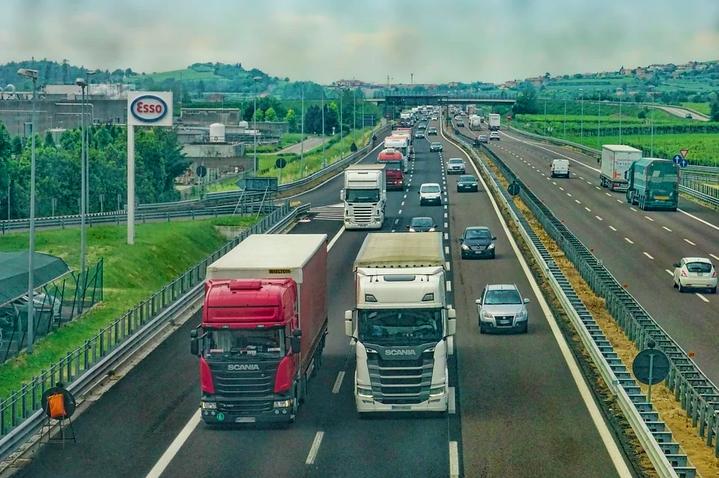 konvoi pengemudi truk