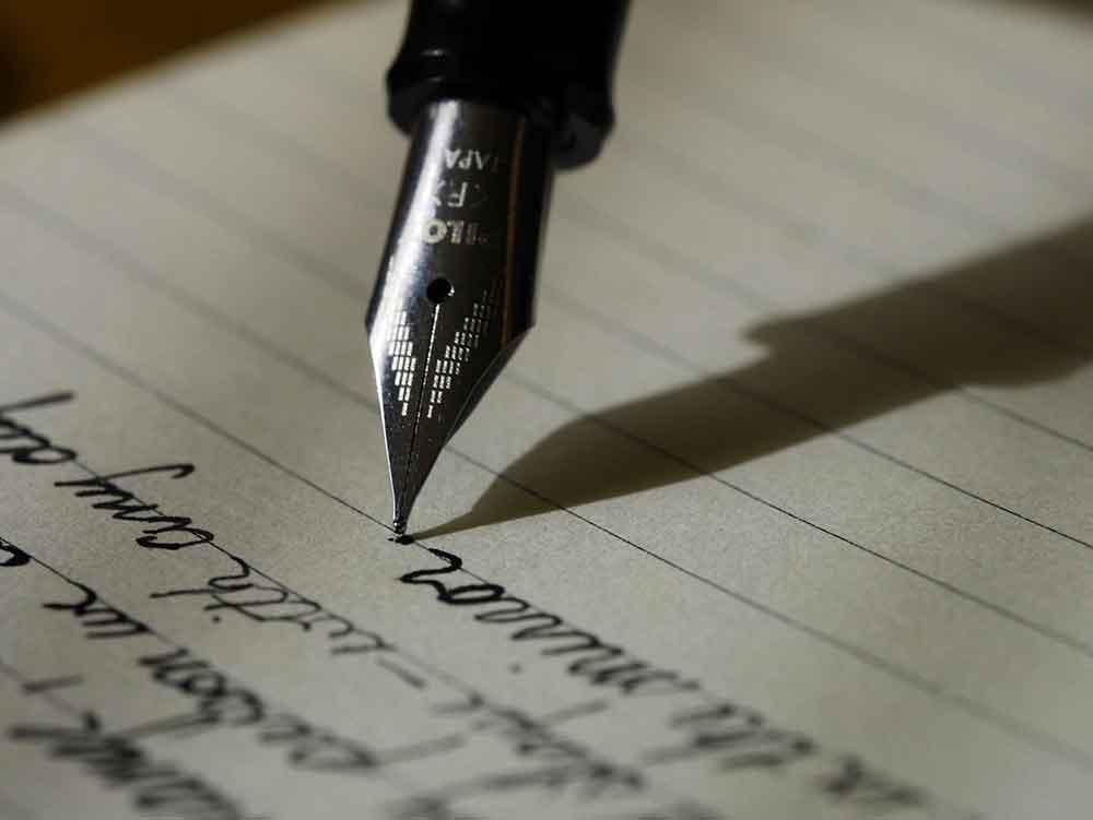 Menulis satu sampai dua Bagian Rangkuman