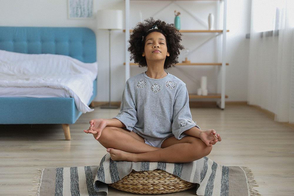 Melakukan Meditasi