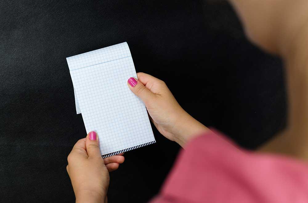Menggunakan Jari untuk Mengurutkan Pembacaan Berdasarkan Barisnya