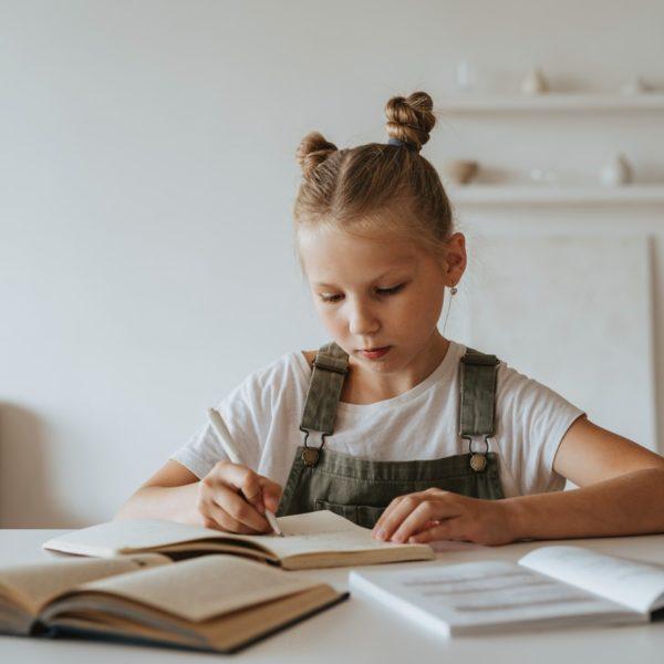 Gimana sih caranya meningkatkan motivasi belajar? Baca di Zenius ya!