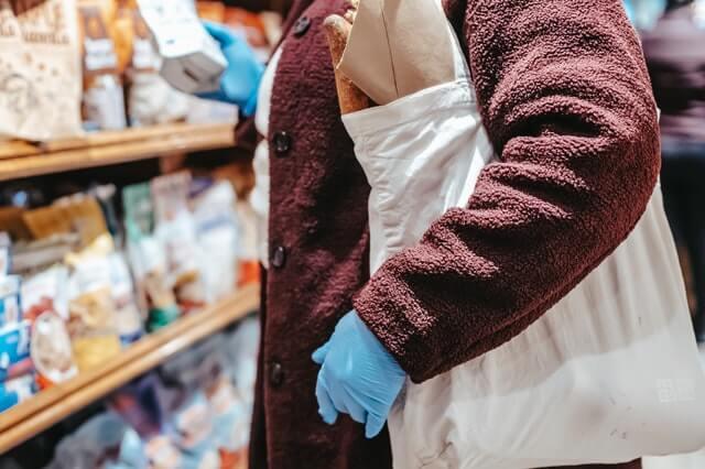 tas plastik, kertas, dan kain yang ramah lingkungan